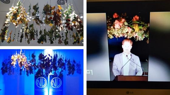 Principe Harry e fiori appesi